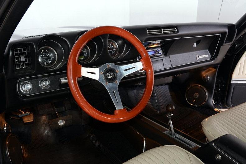 1969 Oldsmobile Cutlass Image 2