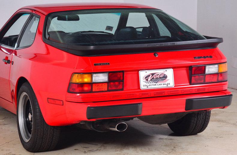 1984 Porsche 944 Image 9