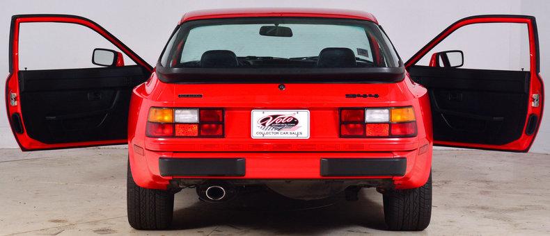 1984 Porsche 944 Image 29