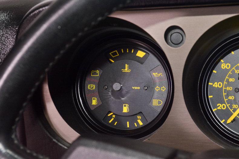 1984 Porsche 944 Image 15