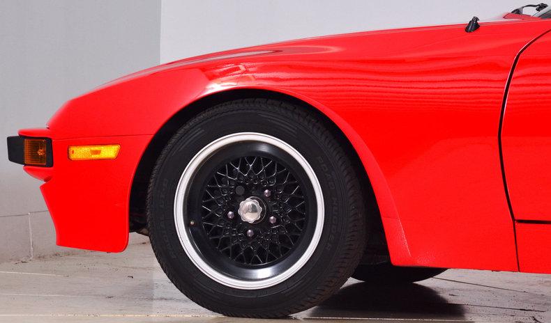 1984 Porsche 944 Image 7