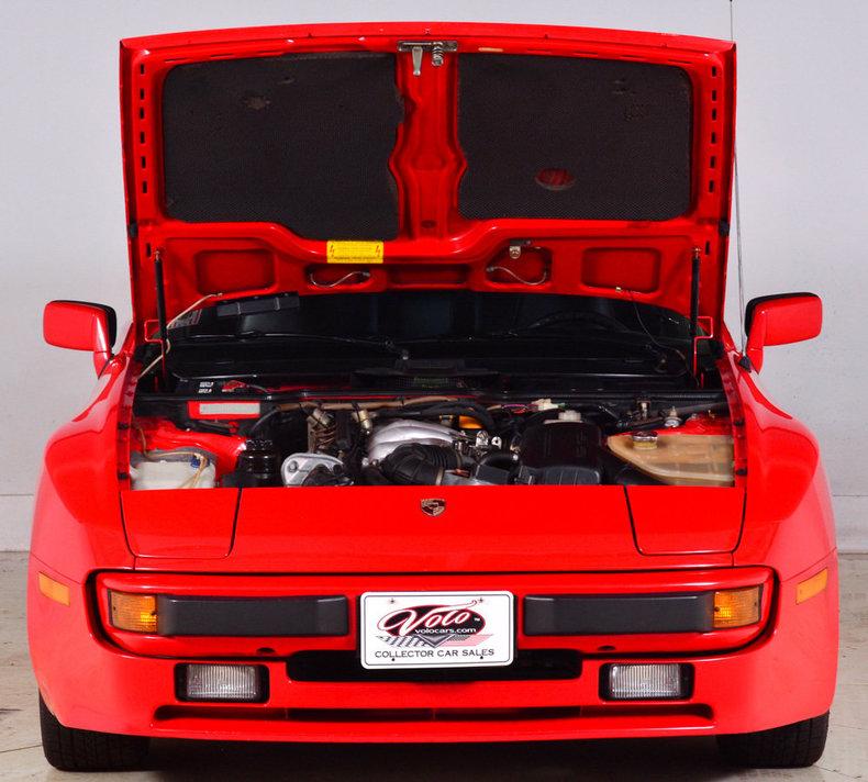 1984 Porsche 944 Image 46