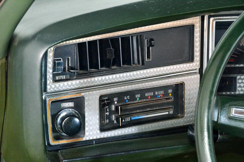 1972 Buick Riviera Image 29