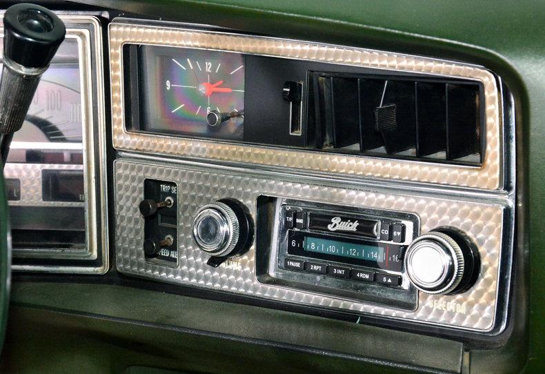 1972 Buick Riviera Image 9