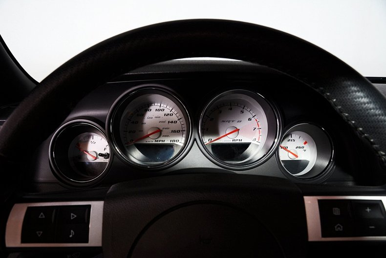 2010 Dodge Challenger Image 2