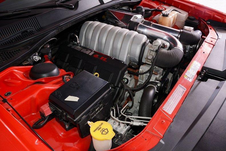 2010 Dodge Challenger Image 4