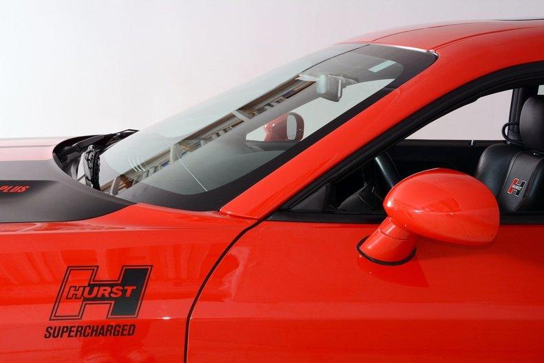 2010 Dodge Challenger Image 19