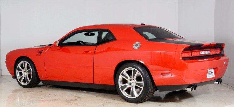 2010 Dodge Challenger Image 33