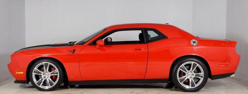 2010 Dodge Challenger Image 41