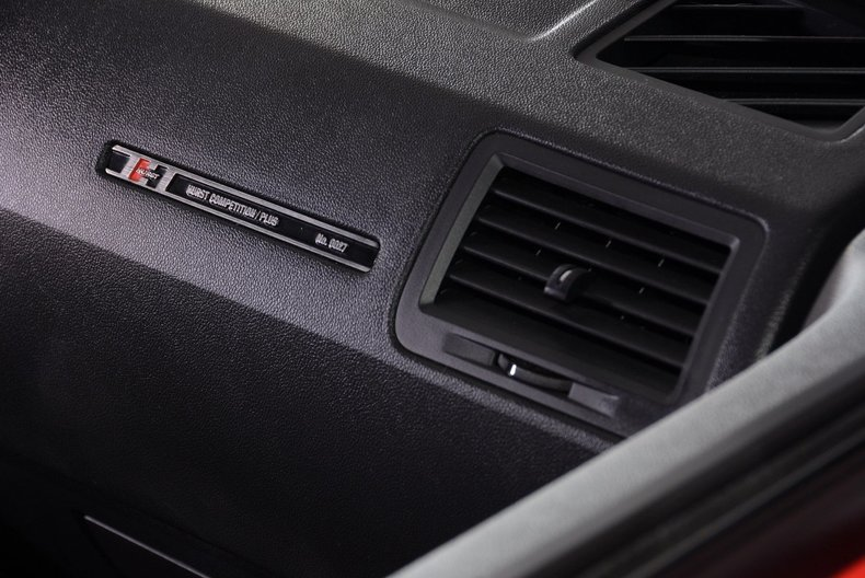 2010 Dodge Challenger Image 44
