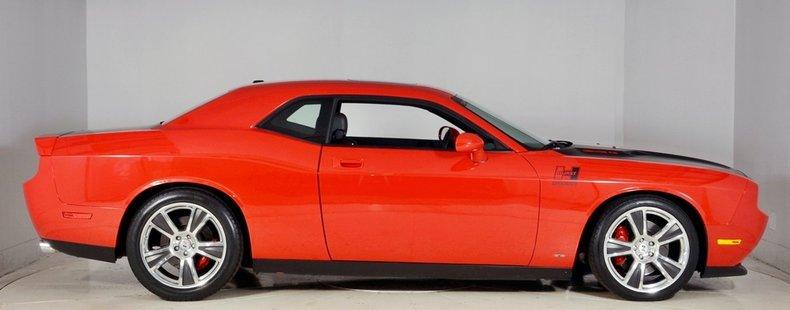 2010 Dodge Challenger Image 65