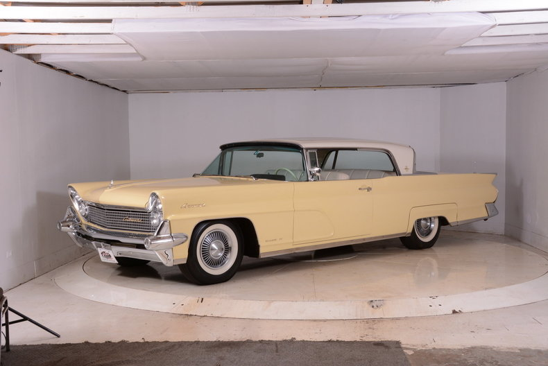1959 Lincoln Continental Image 14