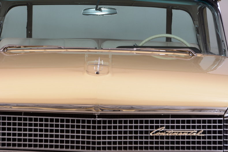 1959 Lincoln Continental Image 16