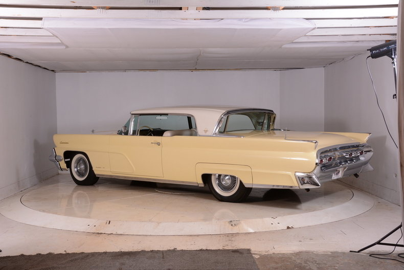 1959 Lincoln Continental Image 25