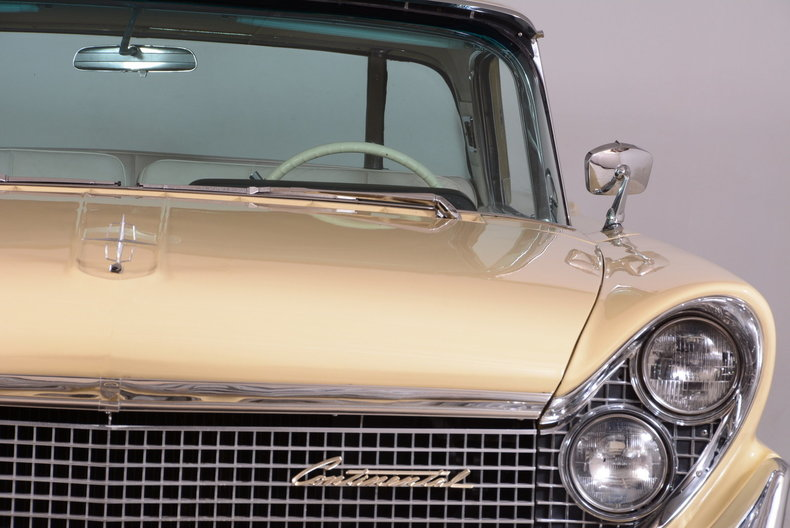 1959 Lincoln Continental Image 29