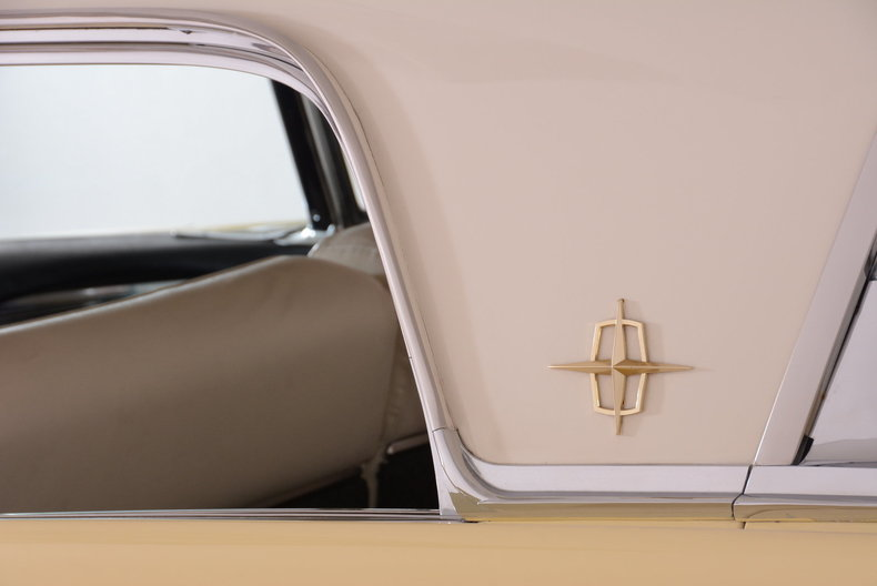 1959 Lincoln Continental Image 40
