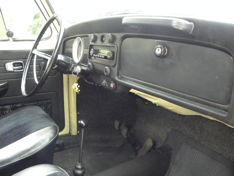 1970 Volkswagen Beetle Image 33