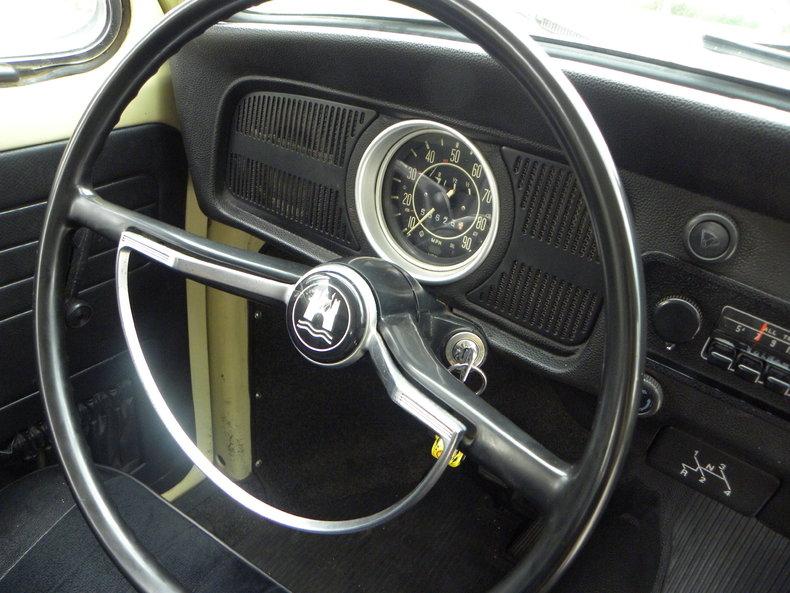 1970 Volkswagen Beetle Image 35