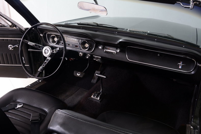 1965 Ford Mustang Image 29