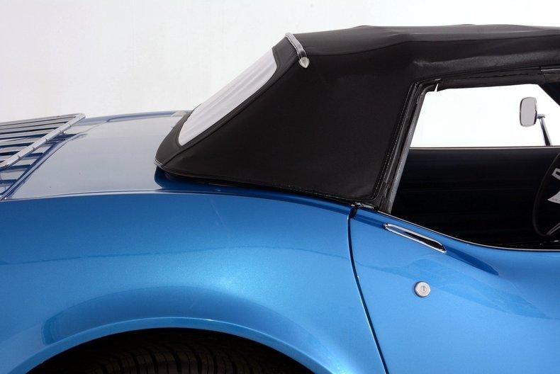 1975 Chevrolet Corvette Image 11