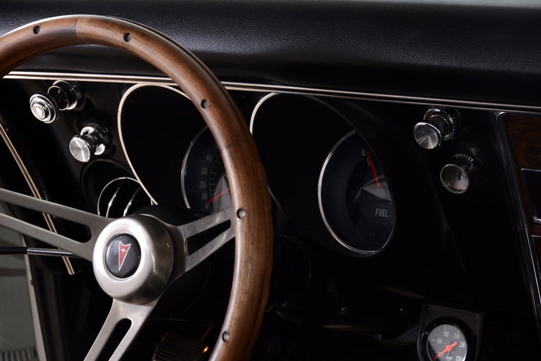 1968 Pontiac Firebird Image 22