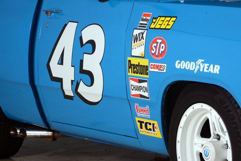 1984 Dodge 100 Image 40