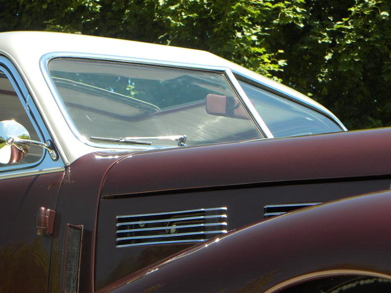 1940 Cadillac Series 60 Image 11