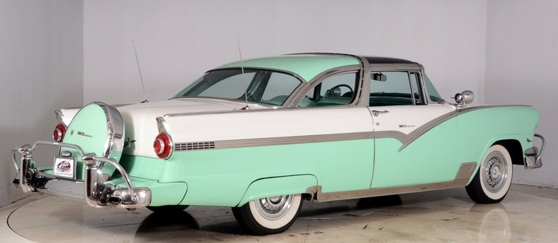 1956 Ford Fairlane Image 3