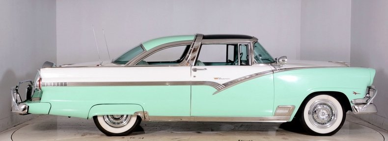 1956 Ford Fairlane Image 17