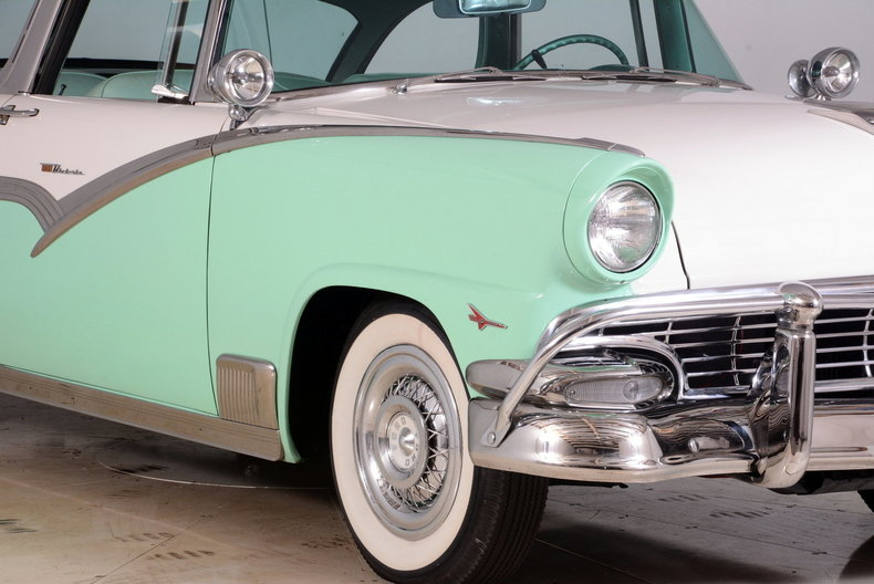 1956 Ford Fairlane Image 45