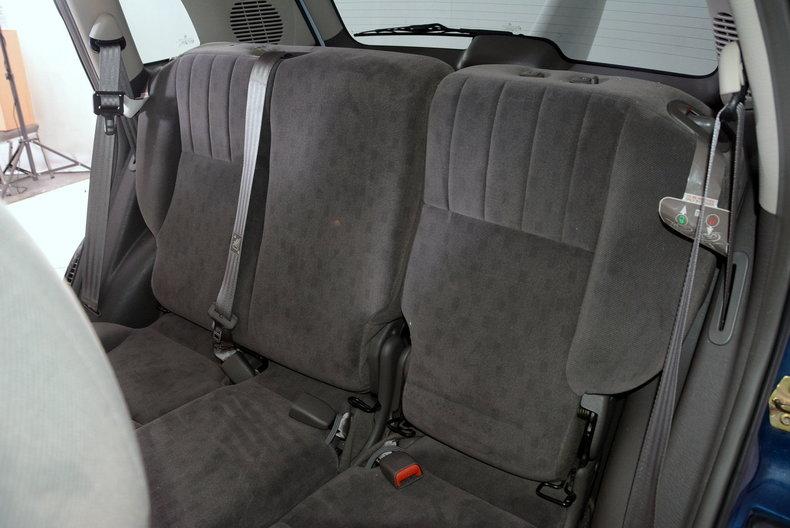2001 Chrysler PT Cruiser Image 10