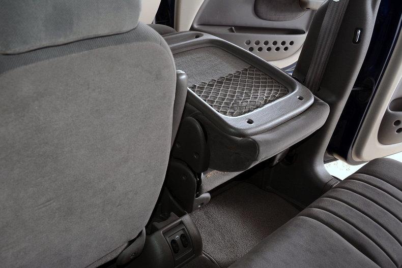 2001 Chrysler PT Cruiser Image 11