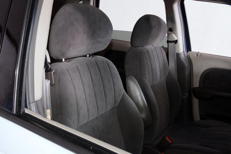 2001 Chrysler PT Cruiser Image 13