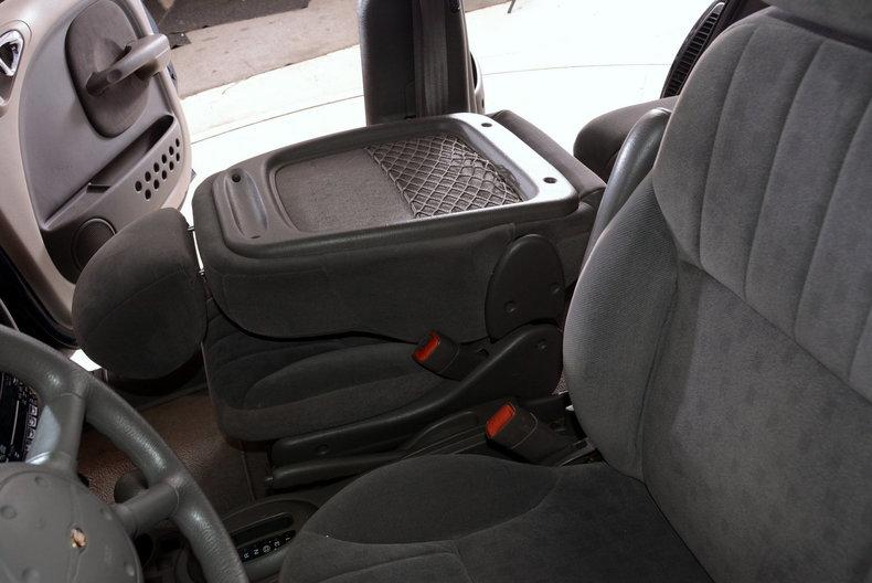 2001 Chrysler PT Cruiser Image 15