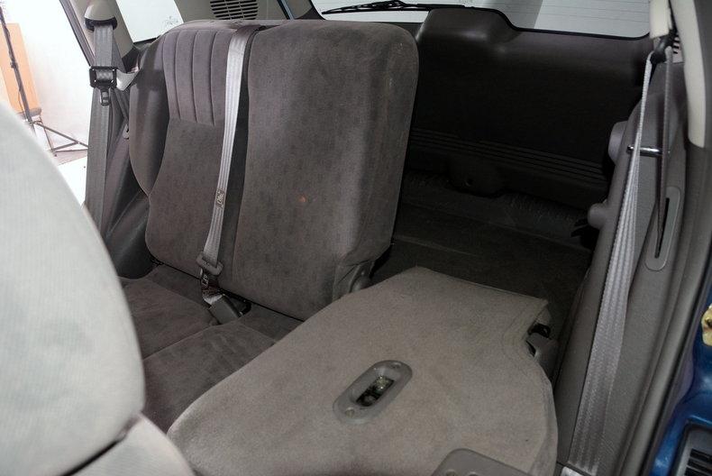 2001 Chrysler PT Cruiser Image 16