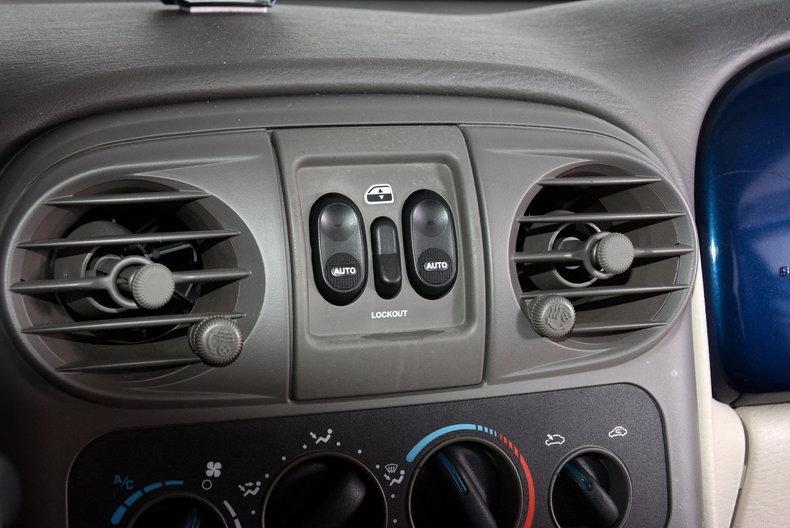 2001 Chrysler PT Cruiser Image 23
