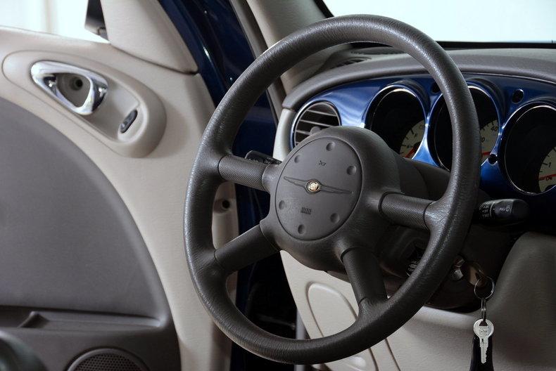 2001 Chrysler PT Cruiser Image 24