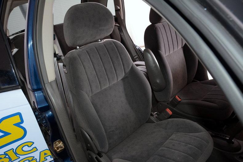 2001 Chrysler PT Cruiser Image 32