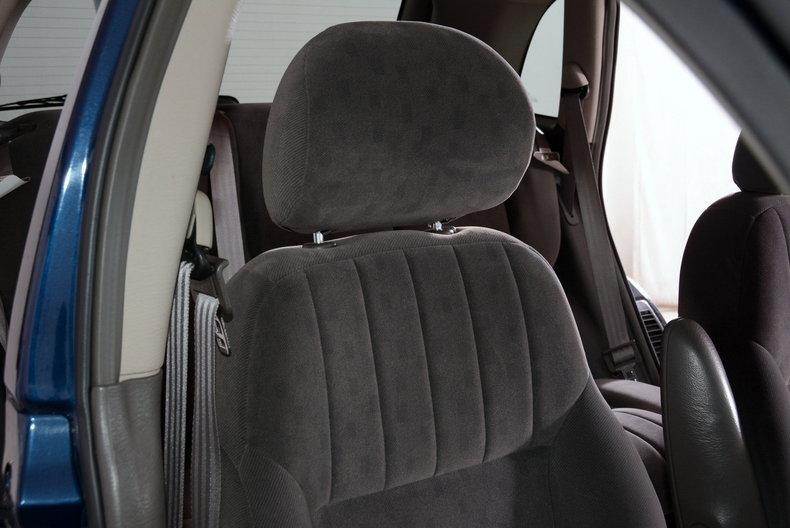 2001 Chrysler PT Cruiser Image 36