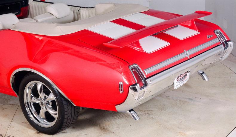 1969 Oldsmobile Cutlass Supreme Image 13