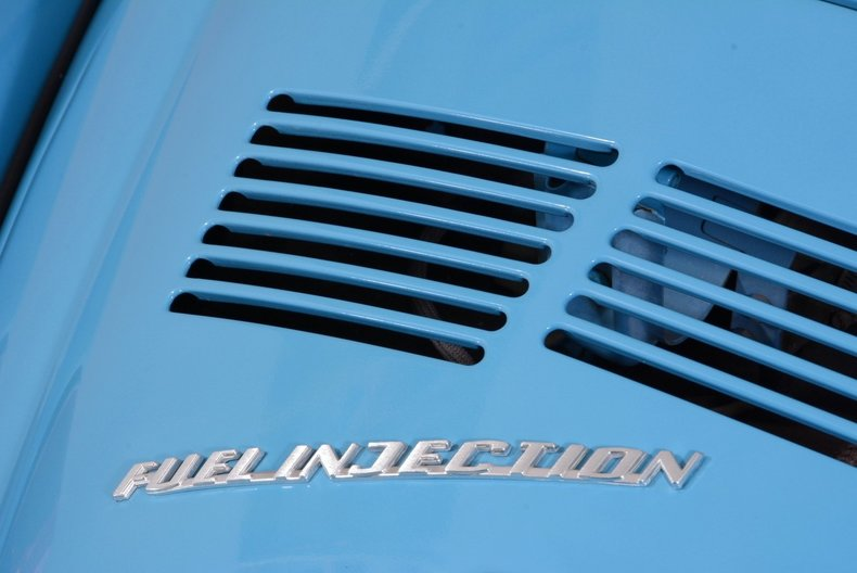 1976 Volkswagen Super Beetle Image 9
