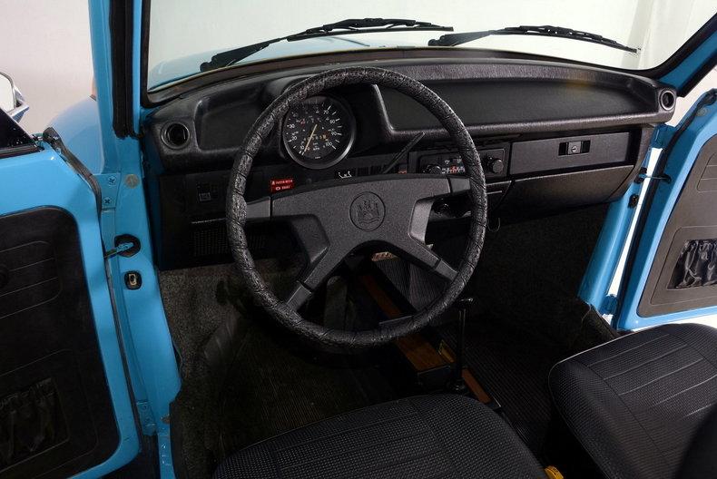 1976 Volkswagen Super Beetle Image 37