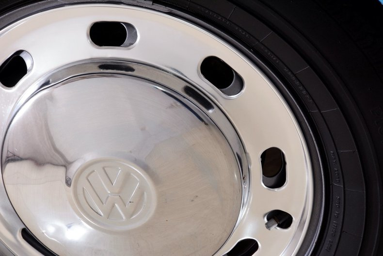 1976 Volkswagen Super Beetle Image 53