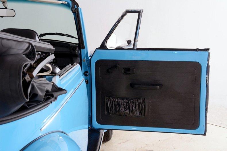 1976 Volkswagen Super Beetle Image 56