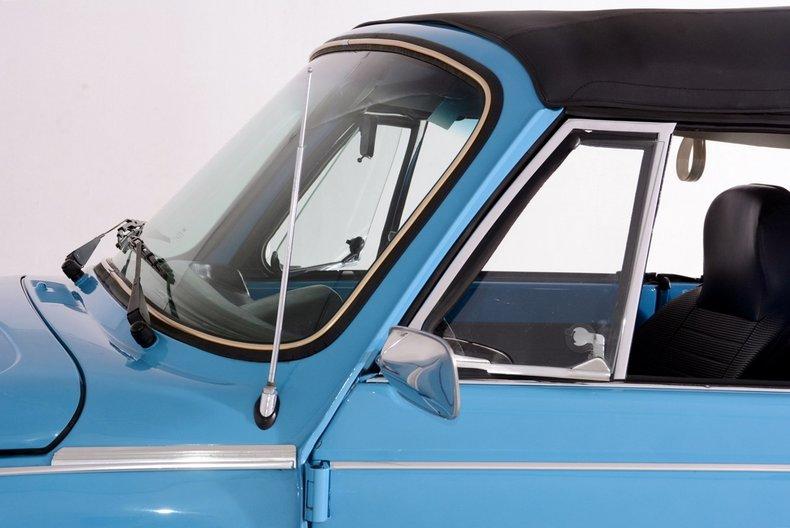 1976 Volkswagen Super Beetle Image 64