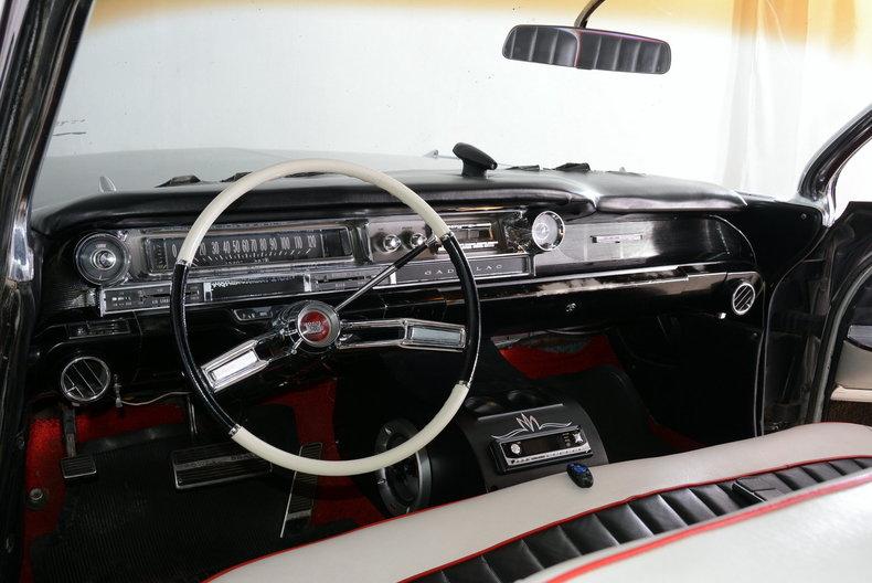 1961 Cadillac Sedan deVille Image 2