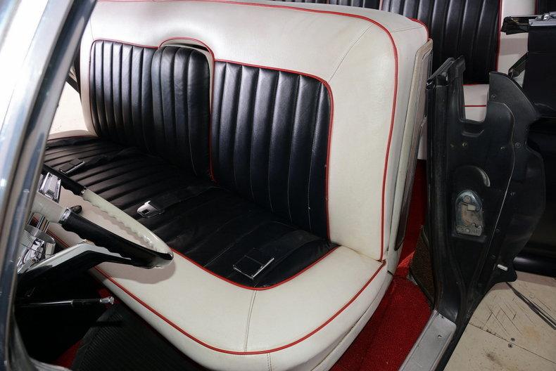 1961 Cadillac Sedan deVille Image 5