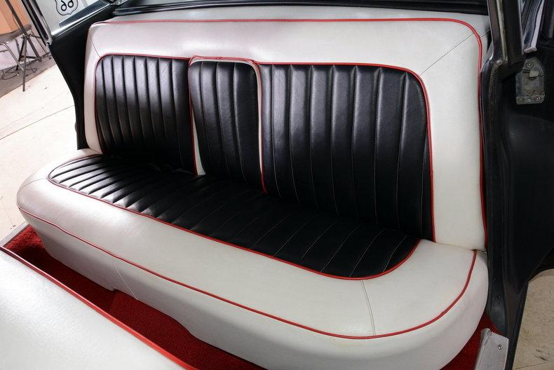 1961 Cadillac Sedan deVille Image 8