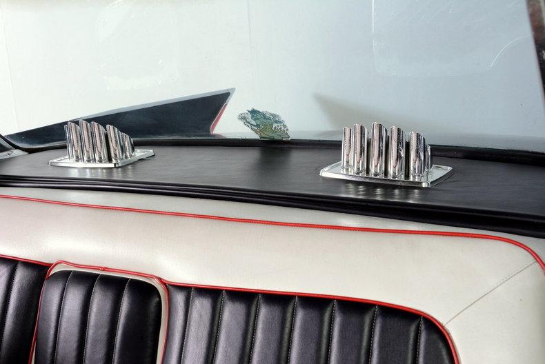1961 Cadillac Sedan deVille Image 11