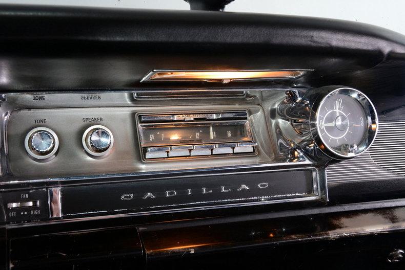 1961 Cadillac Sedan deVille Image 13